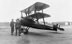 BRITISH AIRCRAFT FIRST WORLD WAR 1914-1918 (Q 66801)   Sopwith Snark Mk I single-seat fighter triplane.