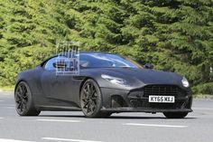 Aston Martin heeft te kampen met een aardige uitbreidingsdrift. Vandaag kunnen we foto's laten zien van een ingepakte nieuwe versie van de DB11: de DB11 S!