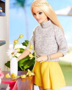 WEBSTA @ barbiestyle - The color yellow makes me happy! Leave a below if you agree! #barbie #barbiestyle