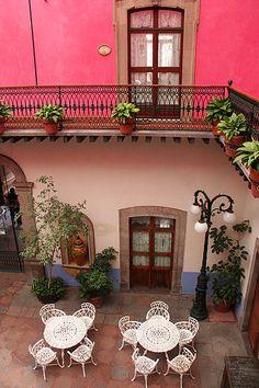 Pinky Casa, Queretero, Mexico