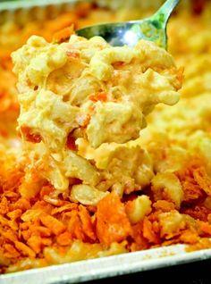 Four-Cheese Smoked Mac 'n' Cheese – Masterbuilt Recipes Smoked Mac N Cheese Recipe, Cheese Recipes, Masterbuilt Recipes, Masterbuilt Smoker, Smoker Cooking, Food Smoker, Slow Cooking, Cheese Ingredients, Smoking Recipes