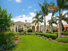 An exquisite home available in Lakewood Ranch