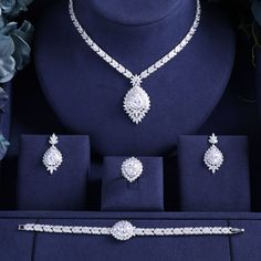 Bridal Jewelry Sets For Women Wedding Party - Schmuck Ohrringe ect. Fashion Earrings, Fashion Jewelry, Wedding Jewelry Sets, Jewelry Party, Tiffany Jewelry, Schmuck Design, Bridal Earrings, Necklace Designs, Swarovski