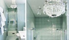 Ett vackert turkost badrum för dig som gillar blingbling. Från INR.