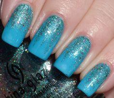 The Glitter Gradient in Blue #ManicureMonday #NailArt