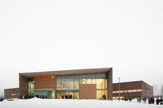 Image from Kirkkojärvi Comprehensive School by Verstas Arkkitehdit in Espoo, Finland. School Images, School Pictures, Smart School, Too Cool For School, School Architecture, Architecture Details, School Building, Learning Spaces, Finland