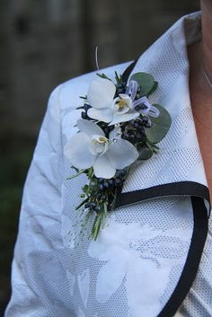 Flower Design Events: Bride's Mum's Corsage