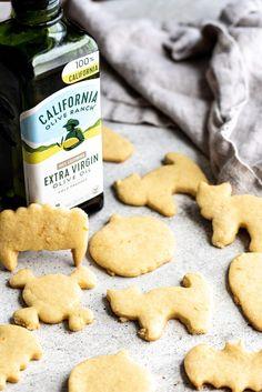 Olive Oil Sugar Cookies Cooking Cookies, Cookie Desserts, Cookie Recipes, Yummy Cookies, Sugar Cookies, Holiday Recipes, Holiday Treats, Christmas Treats, Christmas Cookies