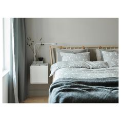 Patterned in pretty paisley, the IKEA JÄTTEVALLMO grey and white cotton duvet cover and pillowcases are bed linens that create a calm bedroom setting. Ypperlig Ikea, Getting Organized At Home, Ikea Bedroom, Gray Bedroom, Calm Bedroom, Master Bedroom, Organizing Your Home, Home Living, Quilt Cover