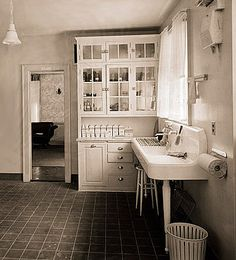 1906 kitchen example for your old home decorating.