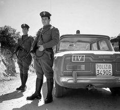 Alfa Romeo Giulia Polizia Alfa Romeo Gtv, Alfa Romeo Giulia, Police Cars, Classic Cars, Vintage Classic Cars, Classic Trucks