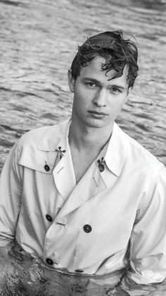 Teenage girls around the world might be swooning over a sweet-faced 19-year-old breakout film star named Ansel Elgort these days, but this is far from the first time the Elgort name has created a buzz. Ansel's proud father is the legendary fashion photographer Arthur Elgort, whom we celebrate in th...