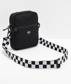 The Crossbody Black Shoulder Bag from Vans is a perfect accessory tom complipment your skate-inspired looks. This black canvas bag can be worn crossbody or over the shoulder for a custom look. Cross Shoulder Bags, Black Shoulder Bag, Over The Shoulder Bags, Shoulder Handbags, Cute Crossbody Bags, Black Crossbody, Vans Bags, Cheap Purses, Cheap Bags