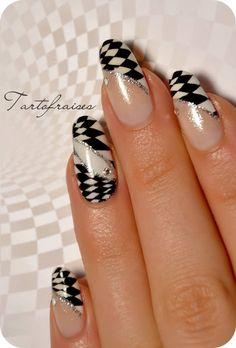 # B/W Nails