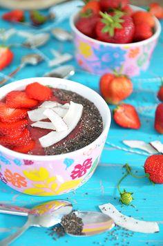 #SuperfoodSamstag mit einer Strawberry Chia Smoothie Bowl von Sarahs Krisenherd   feiertäglich…das schöne Leben