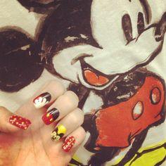 disney nail art #mickeymouse #disneynailart #disneynails