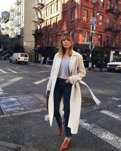 Streetstyle #ootd in NYC mit Trenchcoat