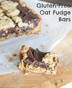 """""""These Oat Fudge Bars are just like a treat from Starbucks but better! These Oat Fudge Bars are gluten-free and feature an easy oat cookie crust filled with creamy, dense fudge. This dessert casserole recipe perfect for family brunch or potlucks. Patisserie Sans Gluten, Dessert Sans Gluten, Gluten Free Sweets, Gluten Free Oats, Gluten Free Baking, Gluten Free Recipes, Dairy Free, Fudge Recipes, Cookie Recipes"""