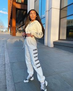 Golden hour 🌞✨ is GLOWING in the Repeat Logo Hoodie & matching Joggers 💛 Joggers Outfit, Fashion Joggers, Streetwear Fashion, Aesthetic Hoodie, Aesthetic Clothes, Best Friend Poses, Summer Outfits, Cute Outfits, Photography Poses Women
