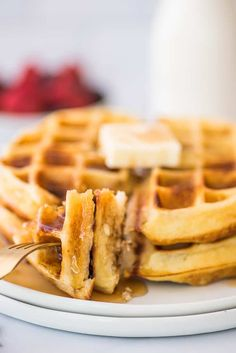 These are the BEST waffles, crispy on the outside and so soft and fluffy on the inside. Best Waffle Recipe, Waffle Maker Recipes, Breakfast Items, Breakfast Dishes, Delicious Breakfast Recipes, Yummy Food, Crispy Waffle, Homemade Waffles, Sweet Recipes