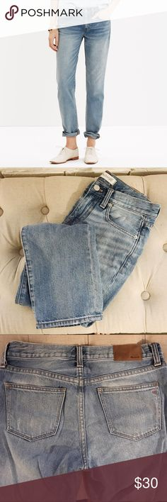 Madewell Boyjean in Coltrane Wash 24 Light wash boyjean from Madewell. These fit looser than their Slim Boy Jeans, more like an authentic boyfriend jean. Loose, sits at the hip. Size 24 but can fit a 25 easily. Style number is C2968 for more information online. 🚫Trades 🚫Paypal Madewell Jeans Boyfriend