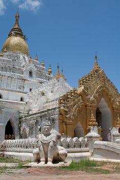 Templo de Amarapura  Birmania   www.liberatingdivineconsciousness.com