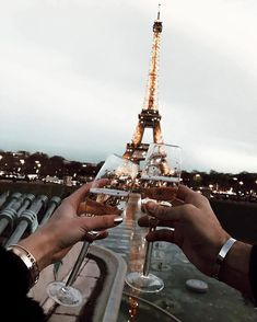 Clinking champagne glasses in front of the Eiffel Tower in Paris, France at sunset. Places to visit and see on your vacation trip to Paris. Paris bucket list things to do. Torre Eiffel Paris, Tour Eiffel, Oh Paris, Paris Pics, Paris Night, Paris Cafe, I Love Paris, Travel Goals, Adventure Is Out There