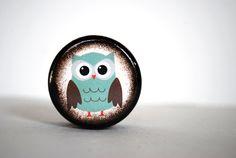 Teal Owl Pill Box by Mmim on Etsy, $4.75 treasury by stockintradehttp://www.etsy.com/treasury/NTUxODU1MXwyNzIxMjM4OTg5/clean-organize-purge