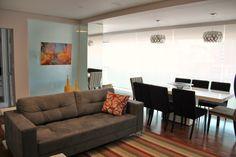 CasaPRO: apartamento com mesa de jantar na varanda