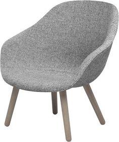 Fauteuil bas About a Lounge Low / Rembourré - Dossier bas Piètement naturel / Assise tissu gris clair - Hay