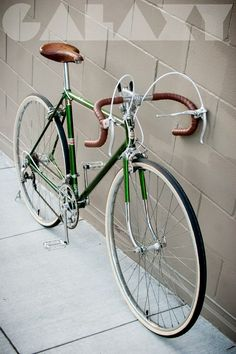 """1970's MOTOBECANE """"Mirage"""" 53cm ROAD BIKE This bike has been FULLY OVERHAULED and REBUILT. It is in VERY GOOD CONDITION. 12-Speeds... shifts perfectly. Fits approximately 5'5 thru 5'9. ~ 31"""" stand ..."""