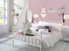 Slaapkamer Noah: ideeen en tips voor een romantische slaapkamer in #pasteltinten. Van bed tot accessoires #bedroom #interieur