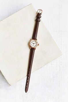 Classic Petite Round Watch Classic Petite Round Watch - My Accessories World Look Patches, 2020 Fashion Trends, Classic Gold, Watch Brands, Vintage Watches, Quartz Watch, Fashion Watches, Michael Kors Watch, Black Silver