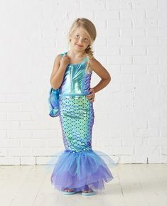 Mermaid Outfit Idea kids mermaid costume diy kids halloween costume in 2019 Mermaid Outfit. Here is Mermaid Outfit Idea for you. Mermaid Outfit kids m. Girls Mermaid Costume, Mermaid Tail Costume, Mermaid Halloween Costumes, Ariel Costumes, Diy Halloween Costumes For Kids, Mermaid Outfit, Halloween Kostüm, Diy Costumes, Woman Costumes