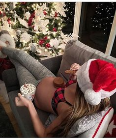 Adorable Winter Maternity Pictures - Oh Baby ❤️ - Schwanger Photos Prénatales, Belly Photos, Winter Maternity Pictures, Maternity Pics, Maternity Winter, Winter Pictures, Winter Maternity Photography, Winter Pregnancy Outfits, Funny Maternity Pictures