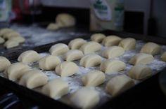 pãozinho tipo bisnaguinha feito com leite em pó, opção para congelar