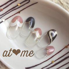 "Elegant heart French tip | (@at.me.nail) on Instagram: ""ハートフレンチ♡ #冬 #冬ネイル#バレンタイン#大人ネイル #シンプル#ハートフレンチ…"""