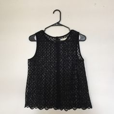 HiLine Button Back Lace Tank Vintage Madewell. Worn once. Freshly Dry cleaned. Beautiful scallop and lace detail. Madewell Tops Tank Tops