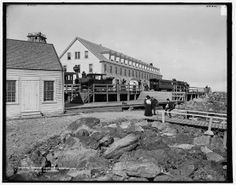 Summit House, Mt. Washington, White Mountains, circa 1900-1906; Library of Congress Prints and Photographs Division, Detroit Publishing Company Photograph Collection; http://hdl.loc.gov/loc.pnp/det.4a08155