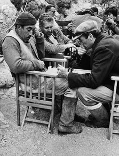 Anthony Quinn, Sir Anthony Quayle and Gregory Peck on the set of The Guns of Navarone of J. Lee Thompson Anthony Quinn, Sir Anthony Quayle y Gregory Peck en el set de Los cañones de Navarone de J. Gregory Peck, Hollywood Icons, Classic Hollywood, Old Hollywood, Anthony Quinn, Sir Anthony, I Movie, Movie Stars, Movie Theater