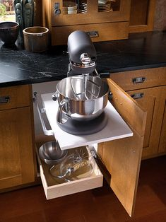this is cool, a snap-up lift for the heavy appliances to counter height. LOVE IT!!!