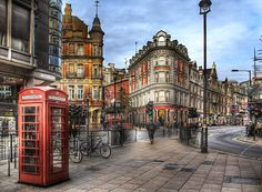 London want to go back now since they have Dr Who again. They didn't in 2004 when I was there. Oh The Places You'll Go, Places To Travel, Places To Visit, England And Scotland, England Uk, Foto Poster, Voyage Europe, Photos Voyages, London Travel