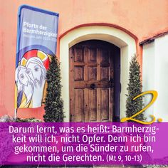 Zitat zum Advent aus der Bibel: Mt 9, 10-13, Kirchentüre: Aufhofener Käppele Schemmerhofen in Baden-Württemberg