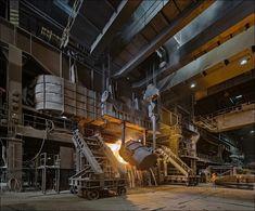 Ocelárna Vítkovice Steel, lití surového železa do konvertoru