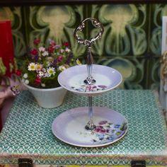 Garden Flower Bonbon Stand Tiered Cakes, Orchids, Chic, Garden, Flowers, Candy, Kitchens, Shabby Chic, Elegant