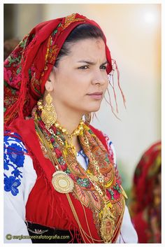 Mediterranean People, Folk Costume, Costumes, Caucasian Race, Portuguese Culture, Lovely Things, Captain Hat, Southern, Romance