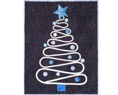 Christmas wall-hanging - made with a long appliqued bias strip. Decorate with fabric ornaments, buttons, charms, etc.