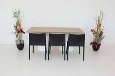 """Tisch """"IKON"""", Eiche in Kombination mit den Stühlen """"Vita"""" in schwarz"""