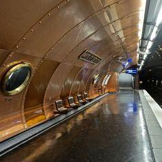 4 Unusual Metro Stations in Paris You Should Visit - Arts et Metiers Station, Paris City, Paris Street, Tour Eiffel, Paris France, Tube Stations London, Trains, Metro Paris, Romantic Paris, Old Paris