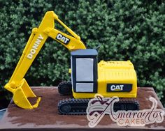 Excavator Cake is this three dimensional carved Excavator cake perfect for all of these little boys who love digging. Digger Birthday Cake, Digger Cake, 3rd Birthday Cakes, Digger Party, 4th Birthday, Birthday Ideas, Construction Birthday Parties, Construction Party, Bulldozer Cake